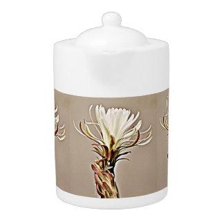 タンの花の茶ポットの白いサボテン