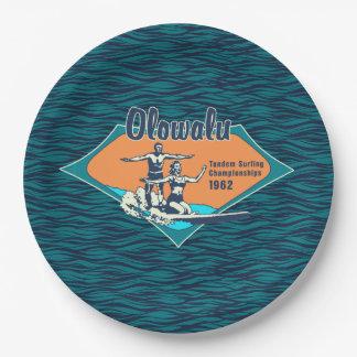 タンデムサーフィンのハワイのヴィンテージの波のデザイン ペーパープレート