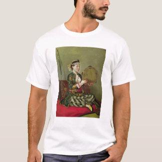 タンブリンを持つトルコの女性 Tシャツ