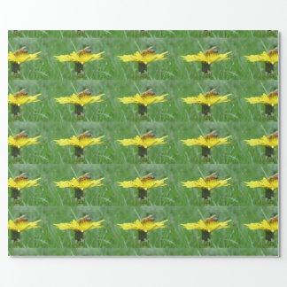 タンポポの蜜蜂 ラッピングペーパー