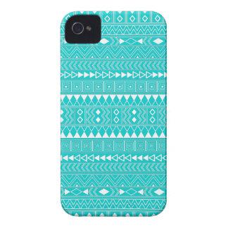 ターコイズおよび白くアステカで幾何学的なパターン Case-Mate iPhone 4 ケース