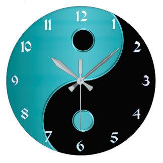 ターコイズおよび黒の陰陽の時計 ラージ壁時計