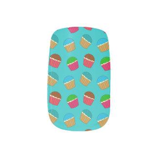 ターコイズのカップケーキパターン ネイルアート