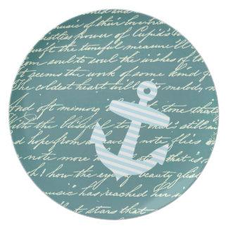 ターコイズのティール(緑がかった色)のプレートの航海のないかり プレート