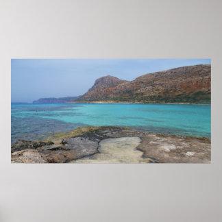 ターコイズ水ギリシャの島のビーチポスター ポスター