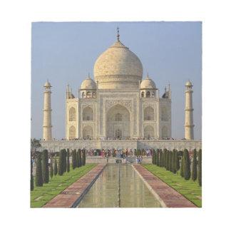タージ・マハルのアグラ、インド、2にあるマウソレウム ノートパッド