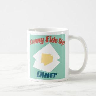 ダイナーの上の明るい側面 コーヒーマグカップ