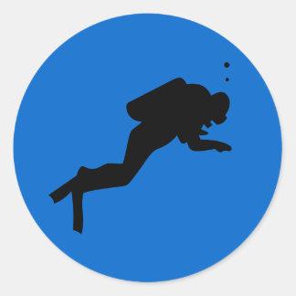 ダイバーのシルエット-円形のステッカー ラウンドシール