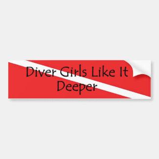 ダイバーの女の子はそれをより深い非img好みます バンパーステッカー