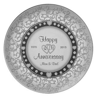 ダイヤモンドが付いている幸せな記念日の銀器 プレート