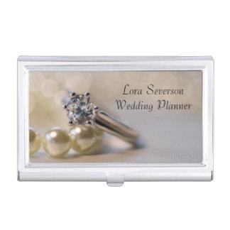 ダイヤモンドの婚約指輪および真珠の結婚 名刺入れ