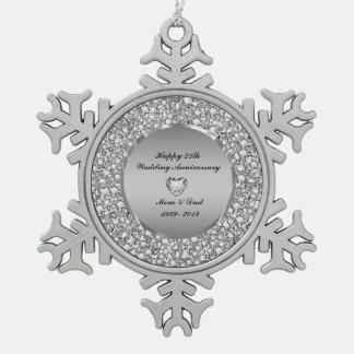 ダイヤモンド及び銀の第25結婚記念日 スノーフレークピューターオーナメント