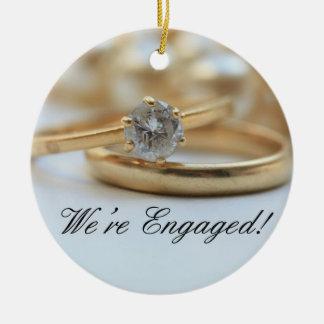 ダイヤモンド指輪の婚約の発表 セラミックオーナメント