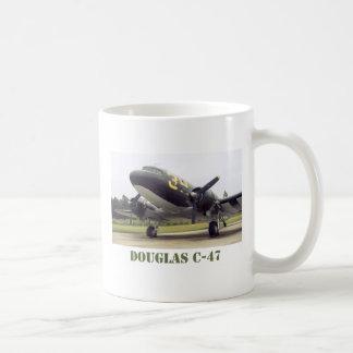 ダグラスのC-47のマグ コーヒーマグカップ