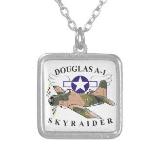 ダグラスa-1のskyraider シルバープレートネックレス