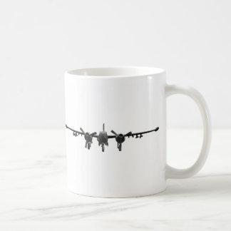 ダグラスB-26Kの侵略者のマグ コーヒーマグカップ