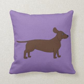 ダックスフントおよび紫色の背景が付いている装飾用クッション クッション