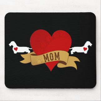 ダックスフントのお母さん[入れ墨のスタイル] マウスパッド