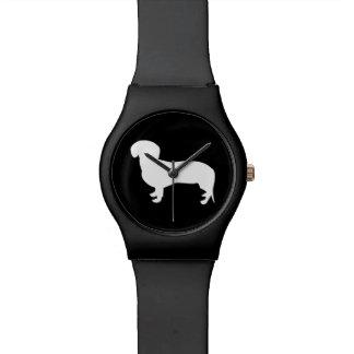 ダックスフントのシルエットの黒 腕時計