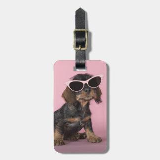 ダックスフントの子犬の身に着けているサングラス ラゲッジタグ