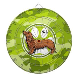 ダックスフント; 若草色の迷彩柄、カムフラージュ ダーツボード