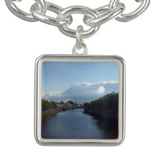 ダブリンの川のLiffeyの景色のチャームブレスレット チャームブレスレット