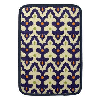 ダマスク織のペイズリーのアラベスクのモトッコ人パターン MacBook スリーブ