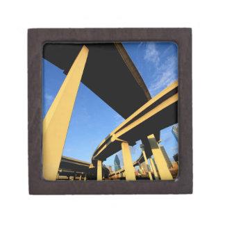 ダラスの高速道路の跨線橋 ギフトボックス