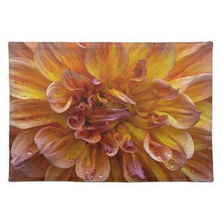 ダリアの花のプリントのランチョンマット ランチョンマット
