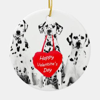 ダルマチア人犬のハートのハッピーバレンタインデー セラミックオーナメント