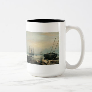、ダンカンのポイント修理のために浜に引き上げられる、グロスター ツートーンマグカップ