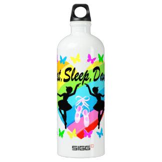 、ダンスの虹のハートおよび蝶食べて下さい、眠らせて下さい ウォーターボトル
