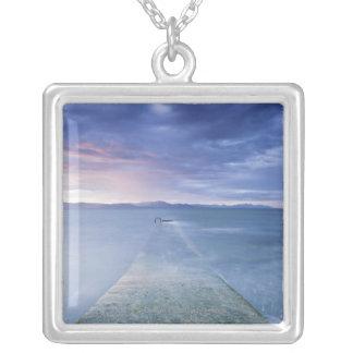 ダンドーク湾上の日没 シルバープレートネックレス