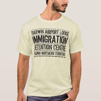 ダーウィン空港ロッジの移住の拘置所 Tシャツ