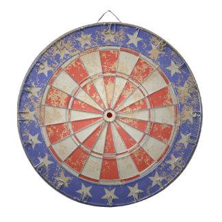 ダート盤米国の旗の古い割れた ダーツボード
