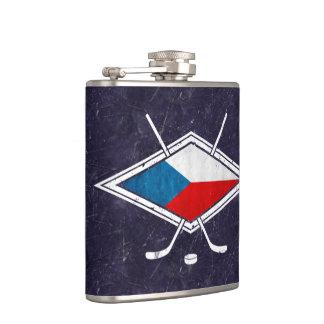 チェコスロバキア共和国のアイスホッケーの旗のロゴのスキットル フラスク