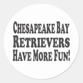 チェサピーク・ベイ・レトリーバーはより多くの楽しい時を過します! ラウンドシール