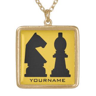 チェスのカスタムなモノグラムのネックレス ゴールドプレートネックレス