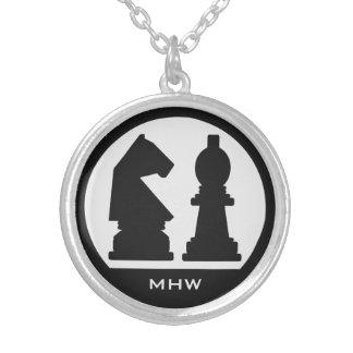 チェスのカスタムなモノグラムのネックレス シルバープレートネックレス