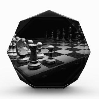 チェスの白黒の駒王チェス盤 表彰盾