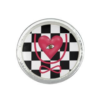 チェッカーボード愛永久にハートUの永遠を注目します 指輪