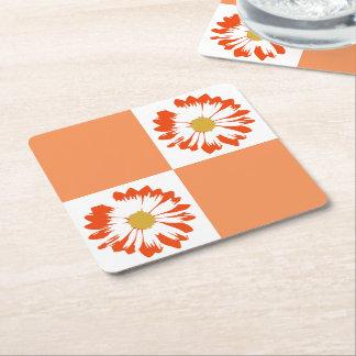 チェック模様のオレンジ及び白い花のコースター スクエアペーパーコースター