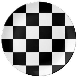 チェック模様の大きい-白黒 磁器プレート
