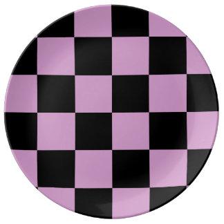 チェック模様の大きい-黒およびライト媒体の蘭 磁器プレート