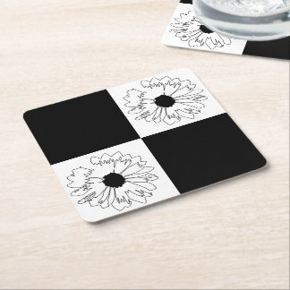 チェック模様の黒い及び白い花のコースター スクエアペーパーコースター