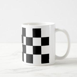 チェック模様の黒い及び白 コーヒーマグカップ