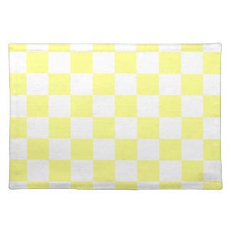 チェック模様-黄色く、薄黄色 ランチョンマット