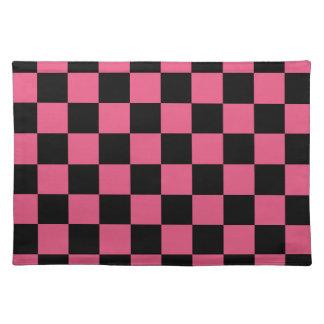 チェック模様-黒くおよび暗いピンク ランチョンマット