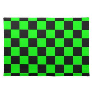 チェック模様-黒く、電気緑 ランチョンマット
