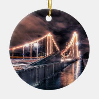 チェルシー橋の雨の日、ロンドン セラミックオーナメント